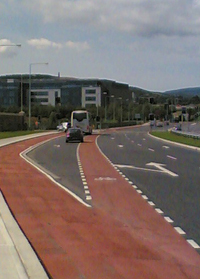 For long left hand lanes, consider segregated cycle track with signalisation