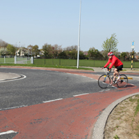 Cycle lane on roundabout not recommended – should be shared